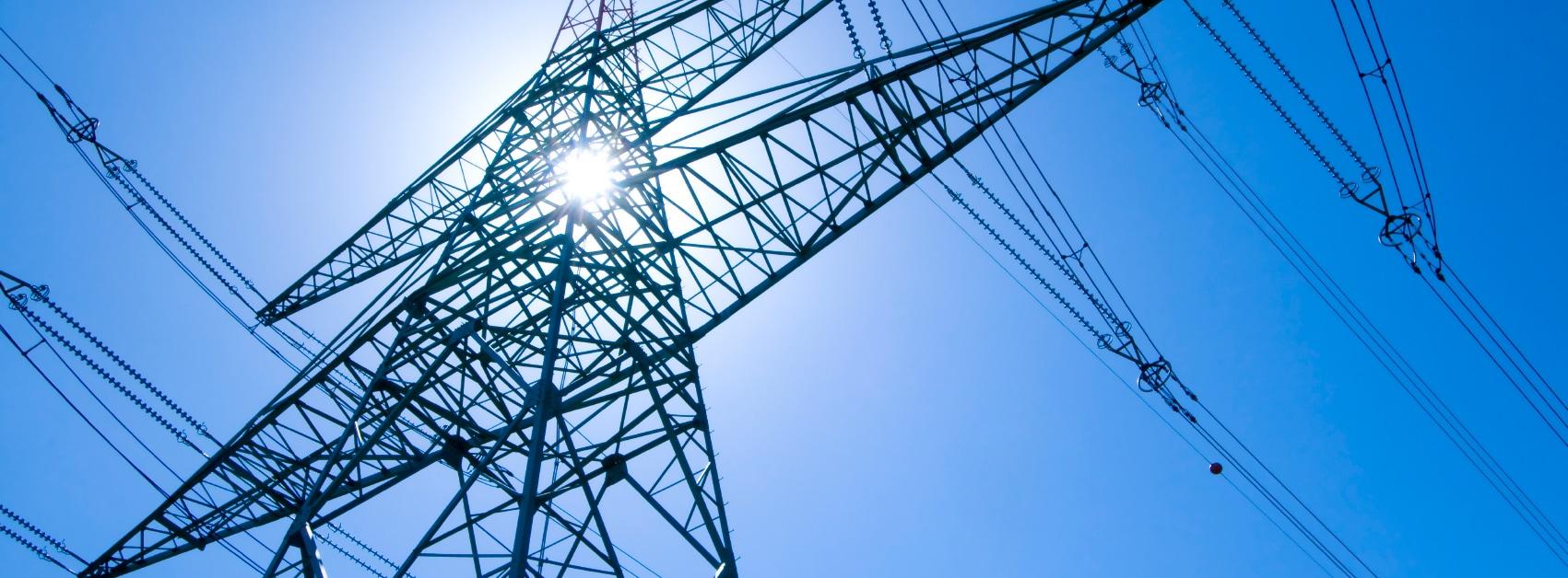 Prozesse anpassen bei Energieuntermnehmen - Hochspannungsleitung