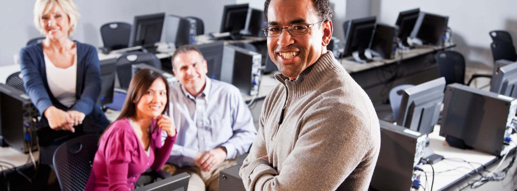Prozesse an Hochschulen - Personen im Seminarraum