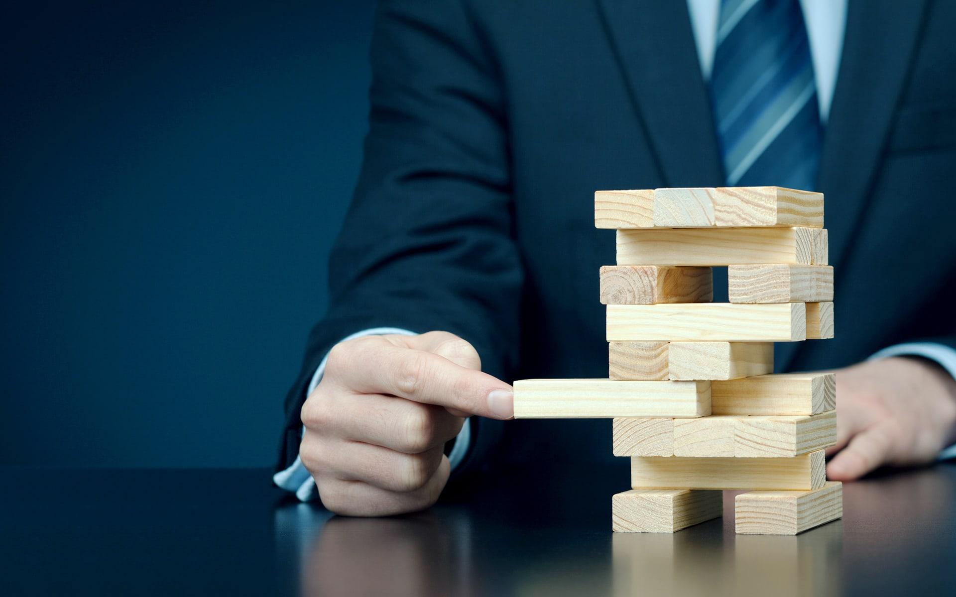 Risiko- und Kontrollmanagement - Abbildung eines Spiels bei dem man Risiko und Kontrolle benötigt