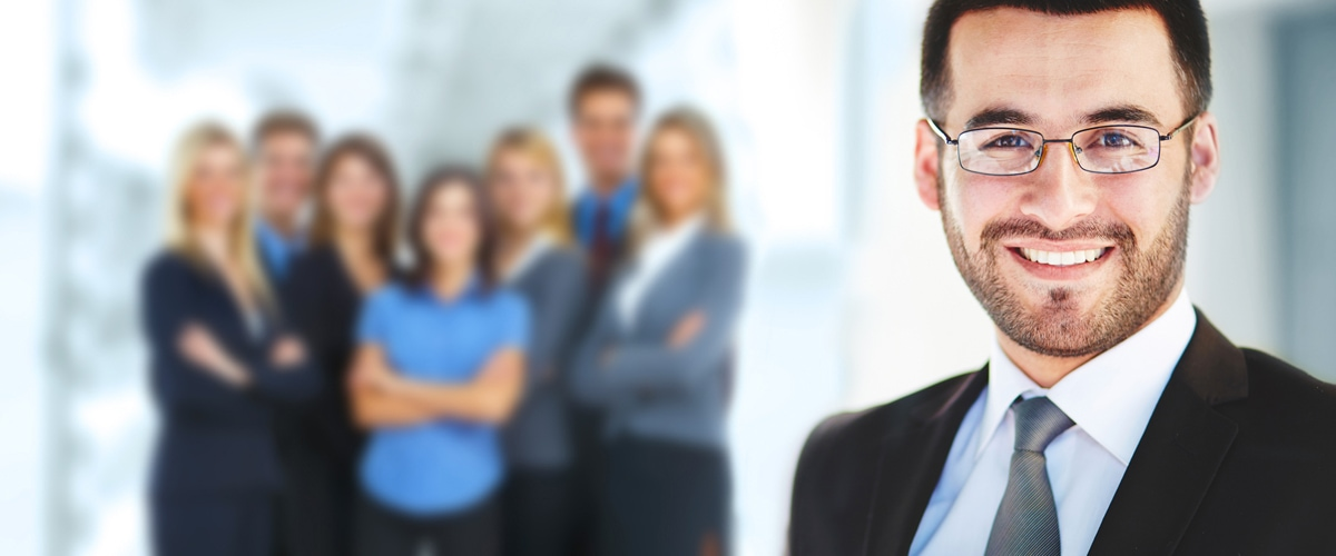Multi-instance user tasks - Man in front of a group of employees