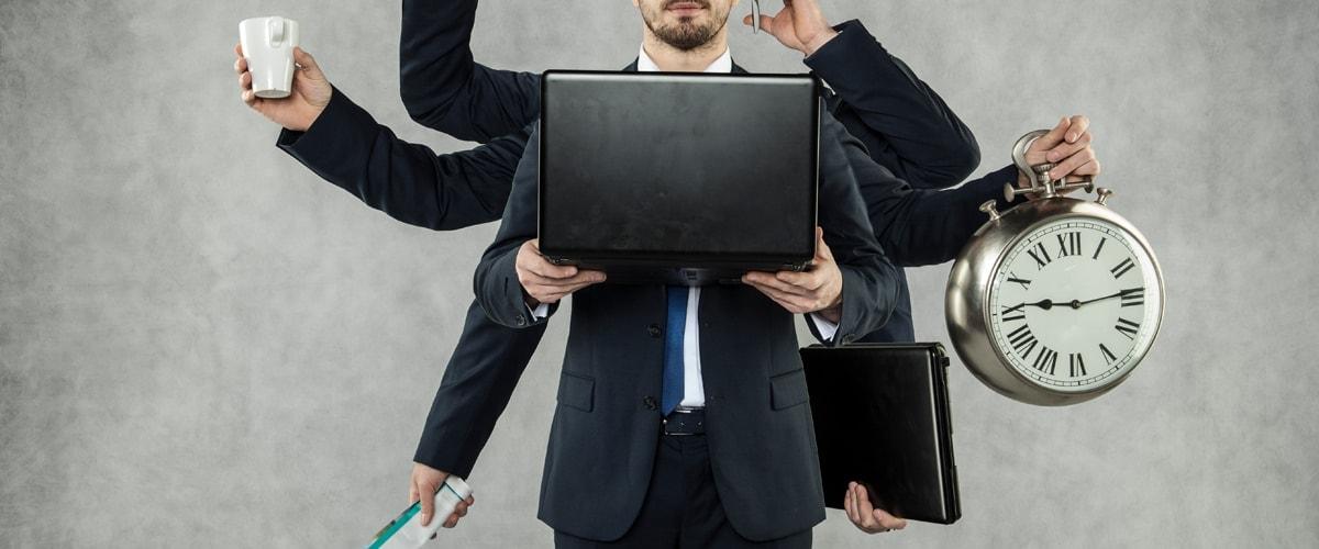 Change Management und kreatives Know-how Titelbild, Mann mit vielen Armen