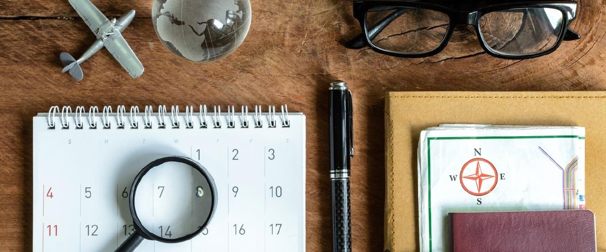 Prozessmanagement 2020 - Kalender und Vergrößerungsglas