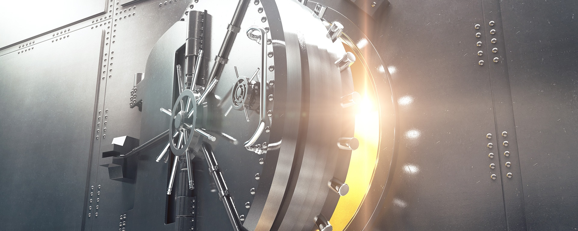 Top 4 Challenges for Banks and Financial Institutions in 2021 - blog header image
