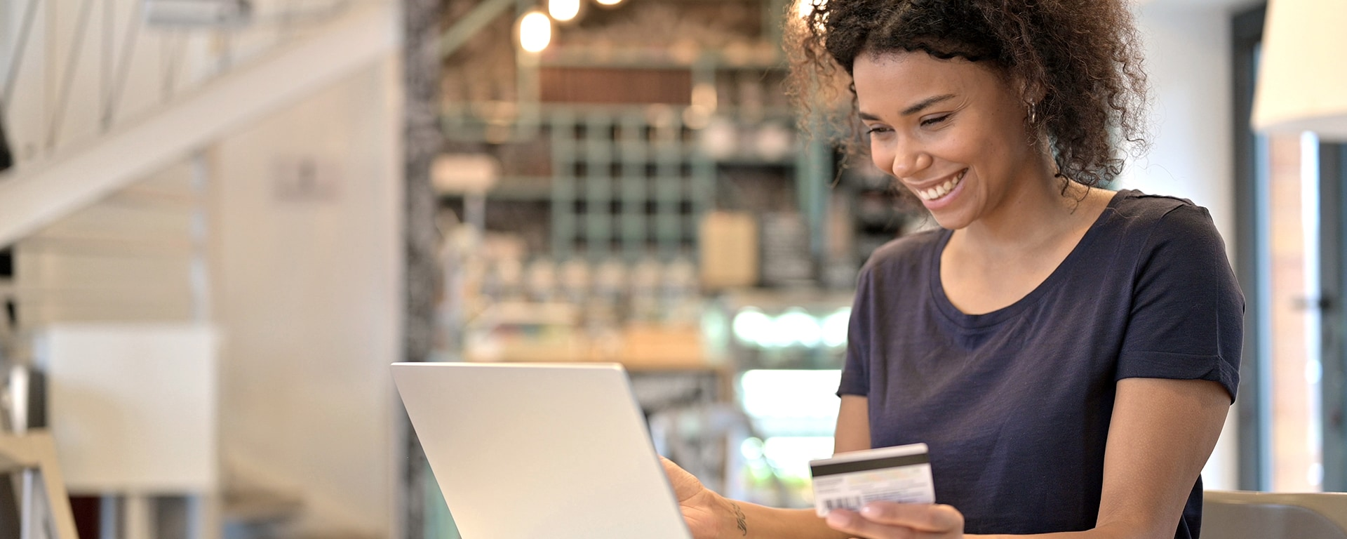 The demand for better customer experiences in banks blog header image